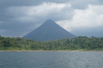 arenal-volcan-lac-bateau-costa-rica