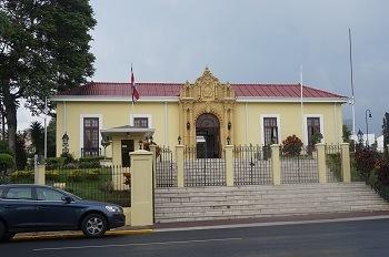 casa-amarilla-san-jose-costa-rica