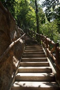 escaliers-cascade-la-fortuna-costa-rica
