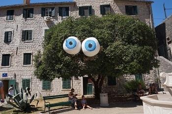 Centre ville de Kotor,Monténégro, place pendant un festival
